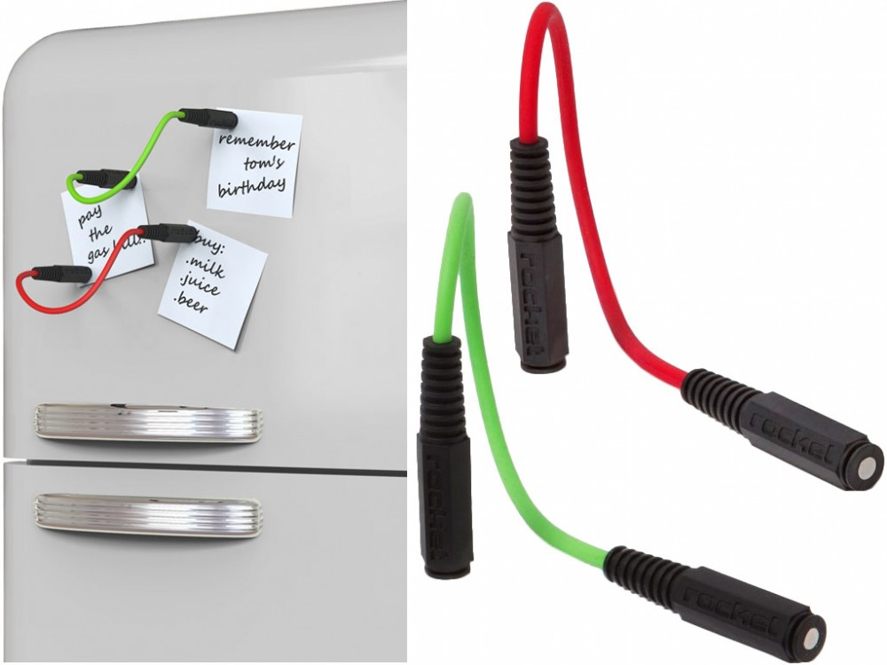 Sets of magnets shaped as audio jacks including colored cables