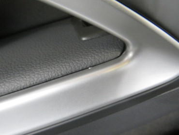 Original Türverkleidung vorne rechts Stoff schwarz VW Scirocco Facelift – Bild 3