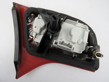 Audi A4 Avant 8E B7 Rückleuchte innen links 8E9945094 Heckklappe Innen – Bild 3