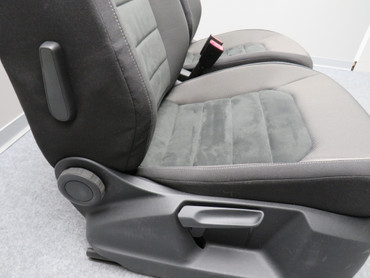 Fahrersitz Beifahrersitz Alcantara Stoff Sitzheizung anthrazit VW Golf Sportsvan – Bild 6