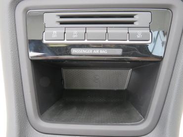 Blende Verkleidung vorne Ablagefach Mittelkonsole Schalter schwarz VW Sharan 7N – Bild 2