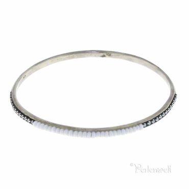 Armreif 925 Silber, schmal mit eingefassten Perlchen in Weiß