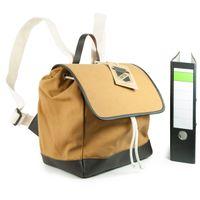 Enter – Mittelgroßer stylischer Canvas Rucksack / Cooler Flap Backpack Größe M, Camel-Braun, Modell 1627