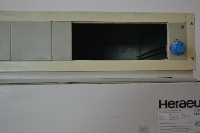 Heraeus Kendro UT 6760 Wärmeschrank Trockenschrank Ofen 300°C ...