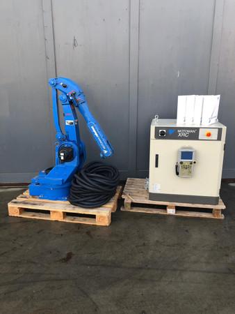 Yaskawa Motoman Roboter Industrieroboter Robot XRC YR-SK-16-J00 – Bild 1