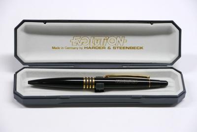 H & S   Kugelschreiber mit exklusiven Etui   Evolution   Schwarz