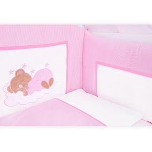 7-tlg. Bettsetpaket Sleeping Bear in rosa inkl. Fußsack und Wickelauflage – Bild 3