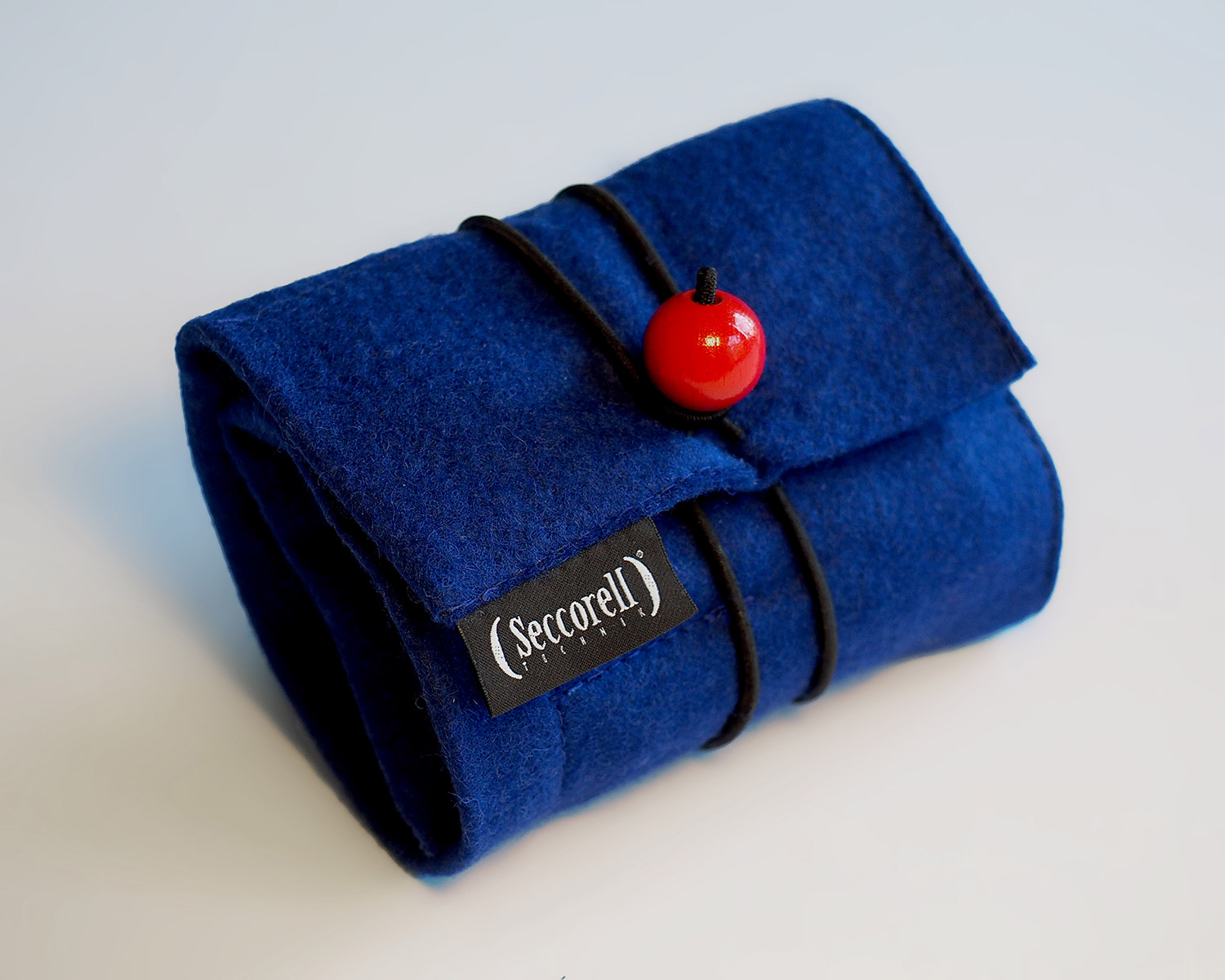 Seccorell Felt Roll-up Pouch filled with Smudge Paints