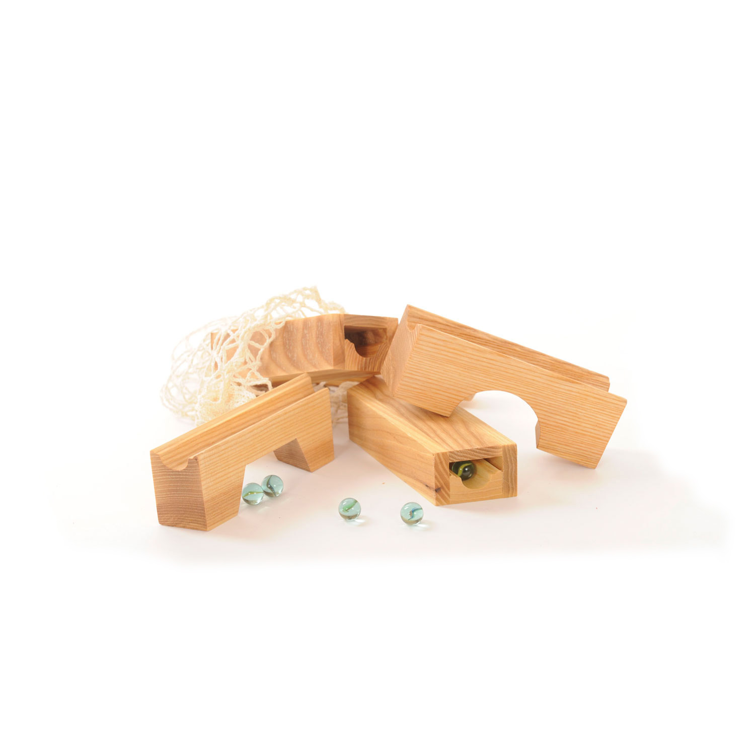 Nic Set to build your own Marble Run on Sand
