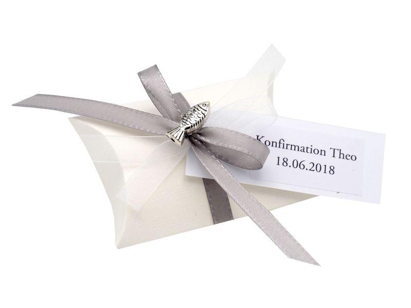 10x Gastgeschenk Fisch mit Namen Bedruckt Grau Weiß Personalisiert Taufe Kommunion Konfirmation