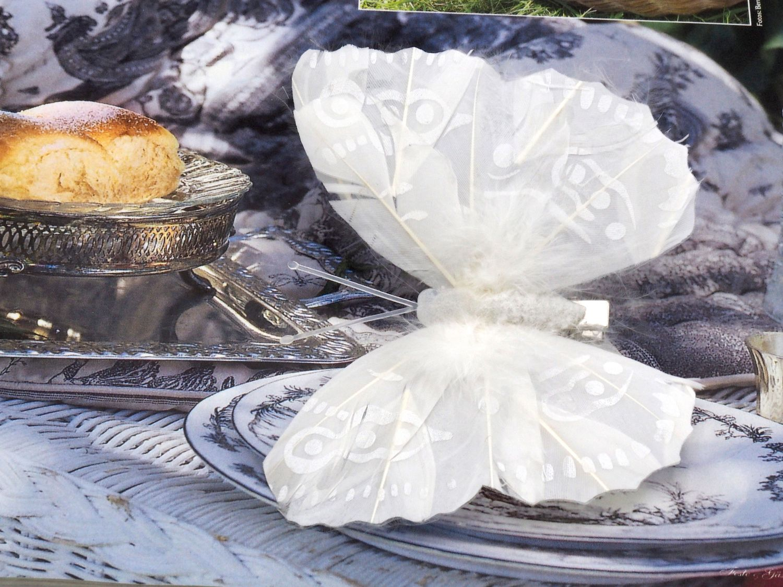 Schmetterlinge Streudeko Weiß mit Federn 3 Stück auf Clip Tischdeko Hochzeit