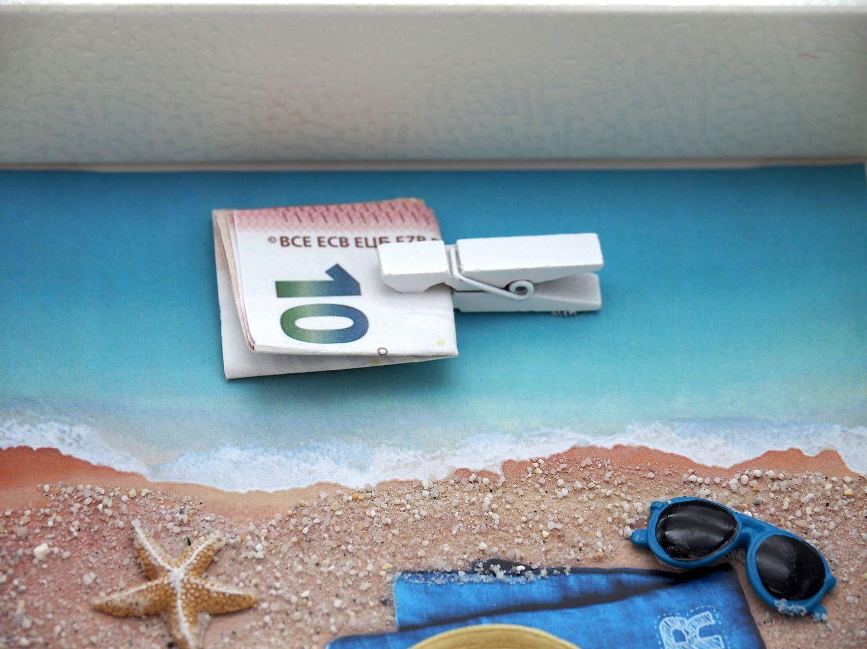 Geldgeschenk Verpackung Reise Urlaub Strohhut Sonnenbrille Mann Strand Meer Strandurlaub Geburtstag