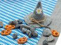 Tischdeko Oktoberfest Streudeko Brezel Steine Grau Deko Party Natur Landhaus 880g 3
