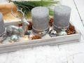 Adventsgesteck im modernen Stil mit Kerzen und Lichterkette als Dekoration für die Advents- und Weihnachtszeit 4