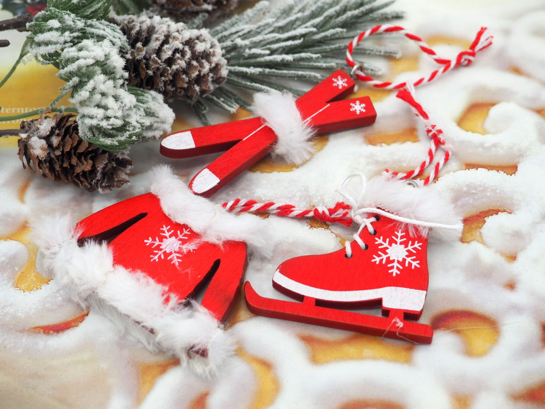 Deko-Anhänger Holz Weihnachten Weihnachtsdeko Geschenkanhänger Streudeko Rot Weiß 6 Stück