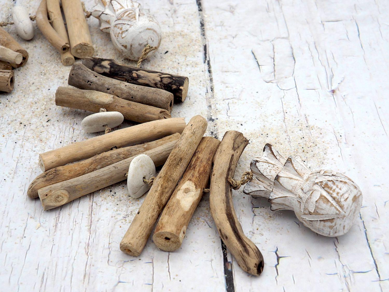 Windspiel Girlande Hängedeko Wandschmuck Holz Ananas Weiß Sommer Tischdeko