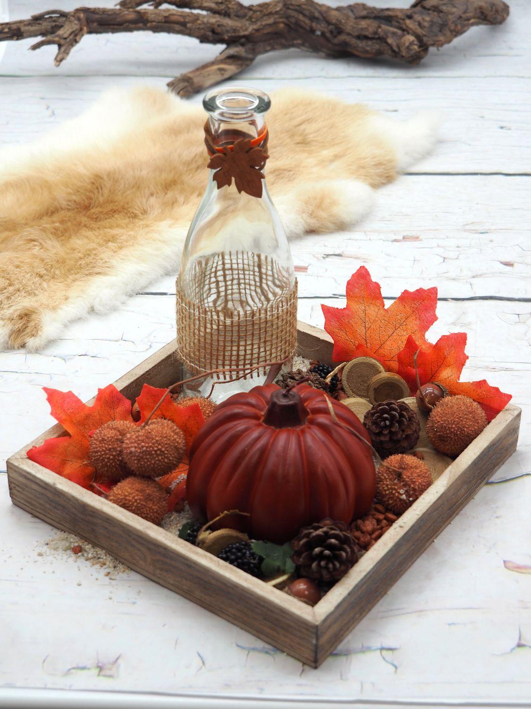 Herbstdeko Tablett mit Deko Kürbis Kerze Vase Streudeko Herbst Orange Braun Tischdeko
