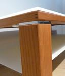 TEAM7 Couchtisch Modell CUBUS / Kirschbaum und Farbglas / Ausstellungsstück Details