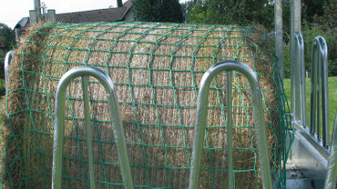 Forage saving net (2,8 x 2,8m, mesh 100mm)