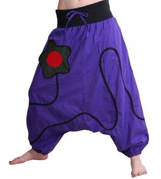 Goa Baggy Pants Divided Skirt in Purple with Flower-Patch – Bild 1