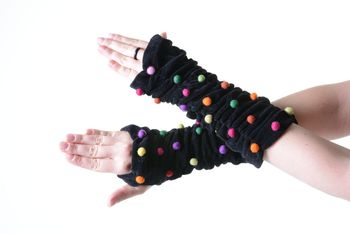 Velvet Arm Warmers with Funny Pom Poms in Great Colors – Bild 11