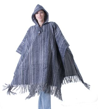 Fancy Cape Poncho with Aztec Pattern in Fall Colors – Bild 4