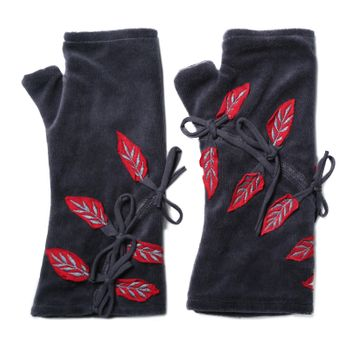 Velvet Arm Warmers with Decorative Leaf-Shaped Applications – Bild 10