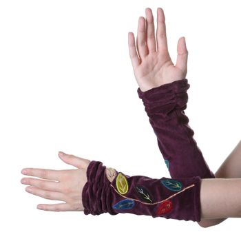 Velvet Arm Warmers with Decorative Leaf-Shaped Seams – Bild 4