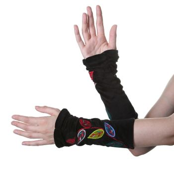 Velvet Arm Warmers with Decorative Leaf-Shaped Seams – Bild 5