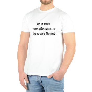 "Kunst und Magie Herren T-Shirt  mit Spruch ""Sometimes Later becomes Never"" – Bild 4"