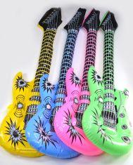 Aufblas-Gitarre