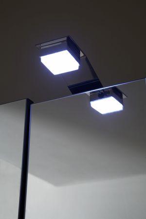 Spiegelschrank mit LED-Beleuchtung weiß – Bild 3