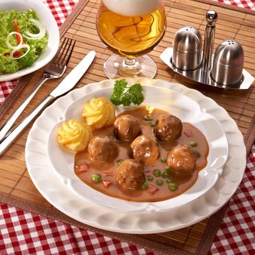 Vleesballetjes met lekkere erwtenpuree