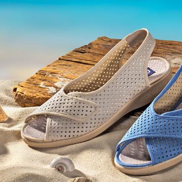 Sandalette mit Fersen-Sling und Klett, beige