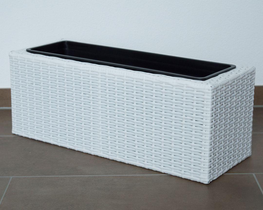 Eleganteinrichten Pflanzkasten Polyrattan 66x23x25cm weiß