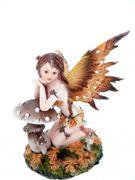 Blatterfee Fuscanua stützt sich auf Pilz  Elfe Fairy Figur TOP Qualität 001