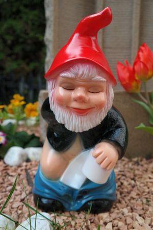 Gartenzwerg Scheisserle aus bruchfestem PVC Zwerg - Made in Germany Figur – Bild 1