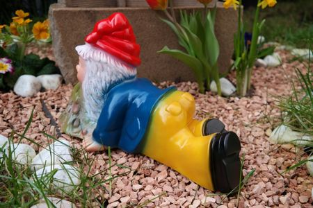Gartenzwerg Brandy Andy aus bruchfestem PVC Zwerg - Made in Germany Figur – Bild 3
