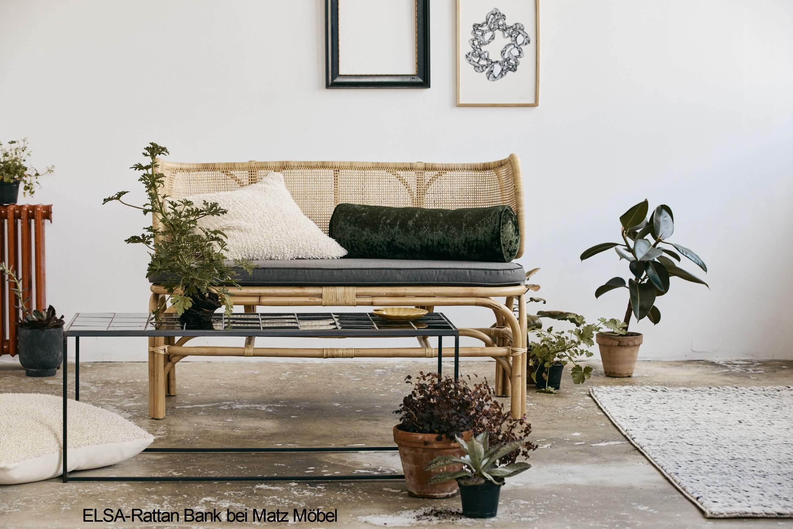 Ambientefoto vom Wandschrank VITA Designermöbel im Retrostil