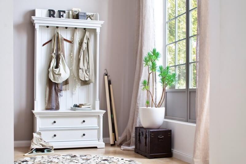 SINNA, weiße Garderobe mit Schubladen und Sitzbank, Landhausmöbel