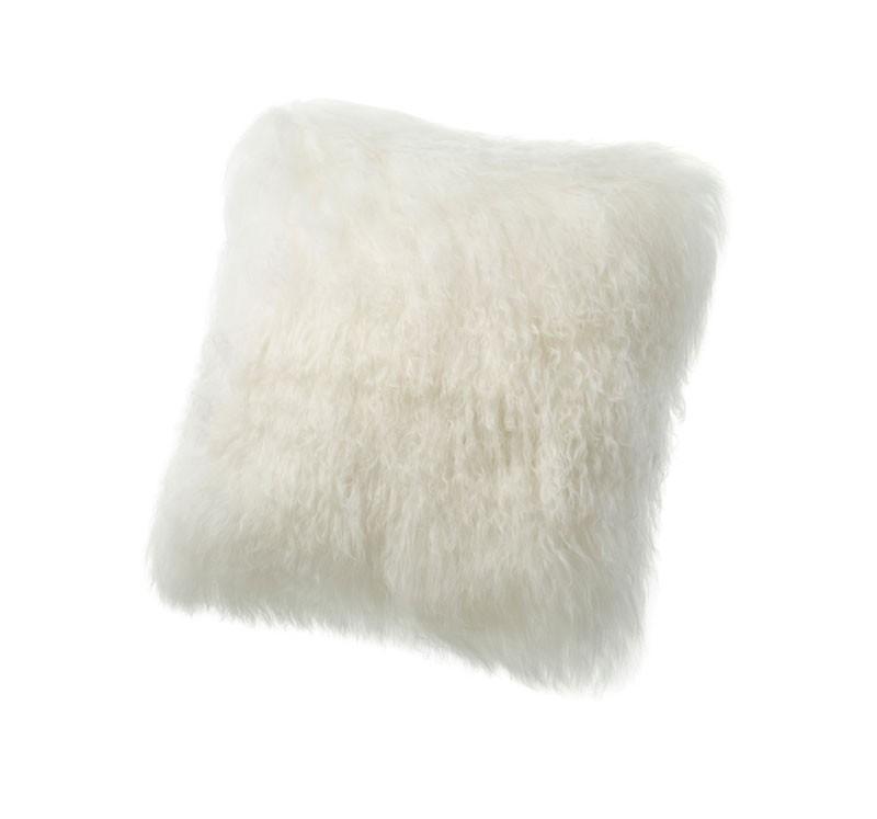 Ein Winter ohne flauschiges Schaffell? Das wäre uns zu frostig! Ob Sie dieses Fellkissen auf Ihren Lieblingsstuhl, Ihr Bett oder Ihr Lieblingssofa legen bleibt Ihnen überlassen - Fest steht jedoch, mit diesem flauschigen Fellkissen stehen Sie auch die kalten Jahreszeiten durch.