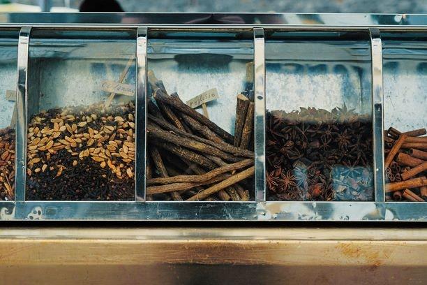 Die entzündungshemmende Wirkung der Süßholzwurzel kommt nicht nur unserem Gehirn zugute.