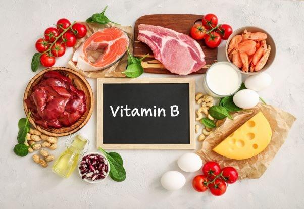 Eine ausreichende Versorgung mit Vitaminen der Gruppe B spielt in der Prävention von Demenz eine wichtige Rolle.