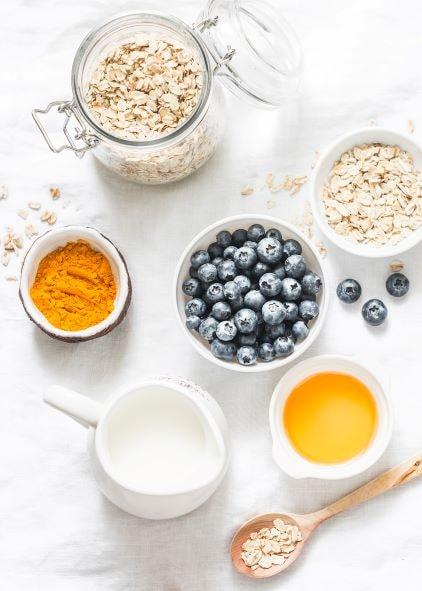 Wir empfehlen die Einnahme von neurofelixir® zum Frühstück, zum Beispiel in einem leckeren Müsli.