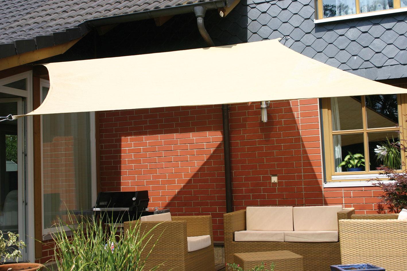 Sonnensegel 3 x 3 m HDPE Gewebe Sitzhöhe: 33 cm Gewicht: 3 kg belastbar bis 75 kg (pro Bank)