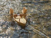 Forelle Schiffsbausatz (schwimmt gegen die Strömung) 007