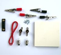 Grundschaltung Elektrotechnik auf Holzbrettchen 001