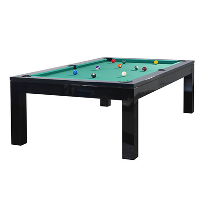 Schwarzer, klassischer Pool Billard Tisch