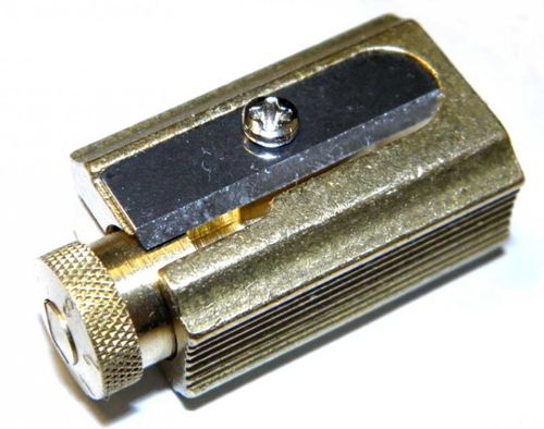 DUX Pencil and crayon Sharpener made of brass in a genuine leather case – image 3