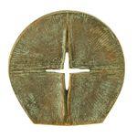 Stehkreuz Durchbrechendes Licht edelpatiniert 8 cm Bronze Christliches Kreuz – Bild 1
